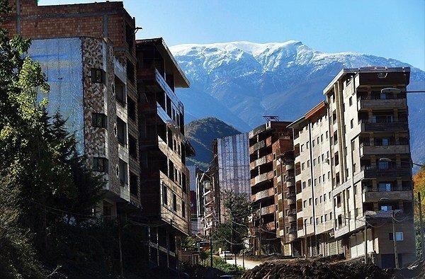 ساخت و ساز غیر مجاز در روستای زیارت گرگان