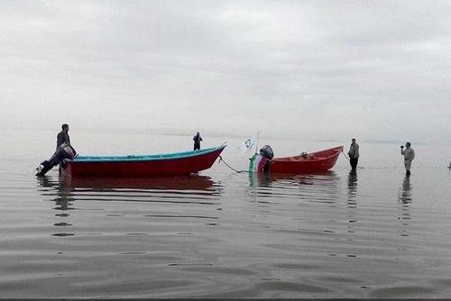 قایق رانی در دریاچه ارومیه