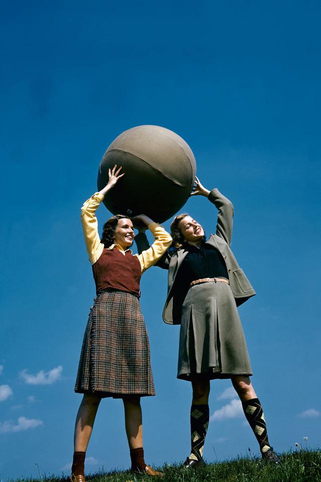 (تصاویر)مدلها 80 سال پیش چگونه لباس می پوشیدند؟