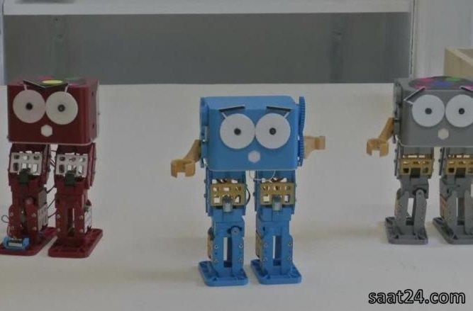 ربات بازی گوش و آموزگار