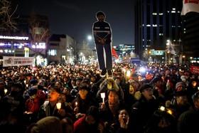 تظاهرات گسترده علیه رئیس جمهوری کره جنوبی در سئول
