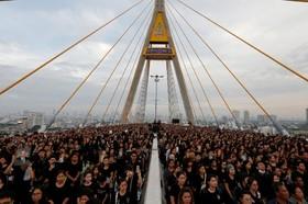 یک مراسم گرامیداشت پادشاه فقید تایلند در بانکوک