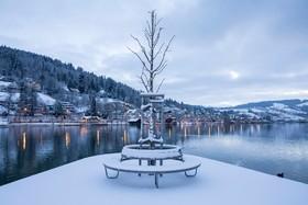 دریاچه اگریس پس از یک روز برفی در سوئیس