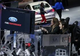 نمایشگاه خودرو دیترویت:یک شبیه ساز ماشین مسابقه در غرفه فورد