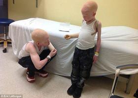 پدری یک دست پسرش را قطع کرد و فروخت!! + تصاویر