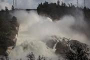 (تصاویر)شکسته شدن سد در کالیفرنیای آمریکا