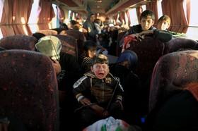 آورگان عراقی که به تازگی از مناطق تحت اشغال داعش در موصل تخلیه شده اند