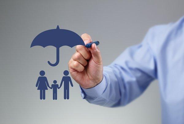 بیمه شخص ثالث گران نمی شود/ بساط الحاقیه بیمه برچیده شد