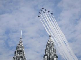 بخشی از نمایش هوایی در کوالالامپور در مالزی