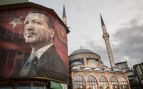 تصویری از رجبی طیب اردوغان برای تبلیغات رفراندوم قانون اساسی ترکیه