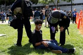 تظاهرات و درگیری حامیان و مخالفان ترامپ در آمریکا