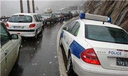 بارش برف در ارتفاعات محور کرج-چالوس/ بارش باران در ۴استان نیمه شمالی/ ترافیک آزادراه کرج-قزوین و آزادراه تهران-کرج