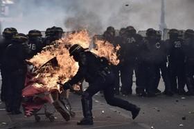 تظاهرات روز جهانی کارگر در پاریس فرانسه