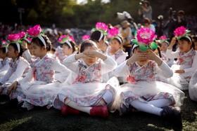 کودکان در مراسم جشن فانوس به مناسبت جشن تولد بودا در سئول کره جنوبی