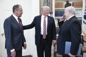 دیدار دونالد ترامپ با سفیر و وزیرخارجه روسیه در کاخ سفید