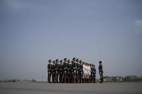 گارد احترام در چین در انتظار ورود نخست وزیرمالزی