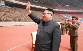 کیم جونگ اون در مراسمی در پیونگ یانگ به مناسبت آزمایش موشکی