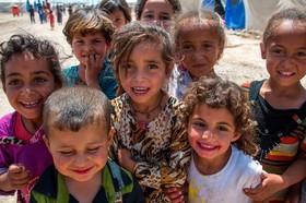 کودکان آواره عراقی در اردوگاه پناهندگان در حومه موصل