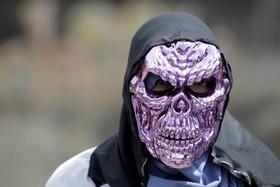 ماسک عجیب تظاهر کننده ای در کاراکاس ونزوئلا
