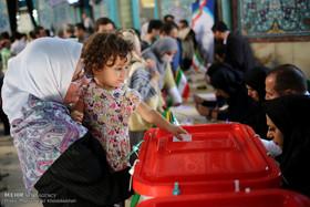 لحظات دیدنی از انتخابات 29 اردیبهشت