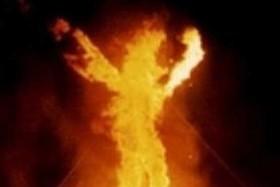 مرد آتشی در ونزوئلا! +عکس