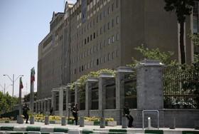 اسناد توافق برای دیوارکشی در اطراف مجلس به شورای شهر ارائه شود/ دیدار نمایندگان شورا با رئیس مجلس