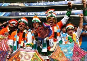 طرفداران تیم کریکت هند در بازی با آفریقای جنوبی در لندن