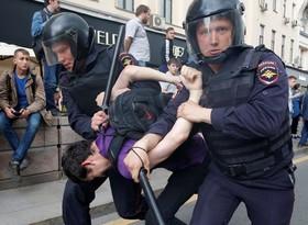 دستگیری تظاهرکنندگان در مسکو