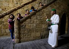 بیدارباش گوی سحر در محله ای در لبنان