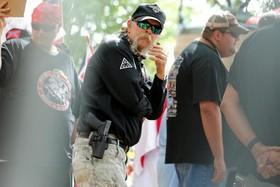 تظاهرات کوکلس کلان ها در شهر شارلوت فلوریدا