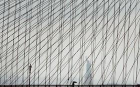 پل بروکلین در یک روز بارانی در نیویورک