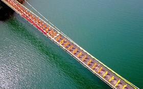 مراسم دعای روحانیون بودایی در افتتاحیه یک پل در نان یانگ در استان هنان در چین