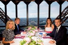 نهار ماکرون رئیس جمهور فرانسه به دونالد ترامپ در ایفل