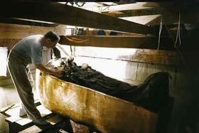 تصاویر دیدنی از کشف مقبره فرعون و اشیا داخلش