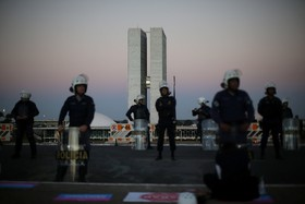 پلیس ضد شورش اطراف مجلس برزیل در برازیلیا
