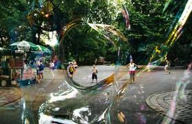 حباب سازی در پارک مرکزی نیویورک آمریکا