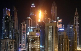 تصویردیگری از آتش سوزی برج مشعل در دوبی
