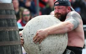 مسابقات قهرمانی مردان  آهنین در بلفاست ایرلند