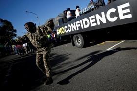 تظاهرات علیه ژاکوب زوما در کیپ تاون آفریقای جنوبی