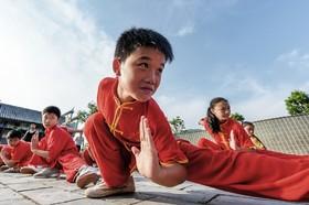 دانش آموزان مدرسه شائولین در چین