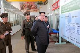 دیدار رهبرکره شمالی از یک مرکز نظامی