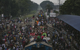 مسافران برای عید قربان راهی تعطیلات در بنگلادش هستند