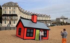 یک اثرهنری به نام خانه ای برای تعطیلات در ساحلی در انگلیس
