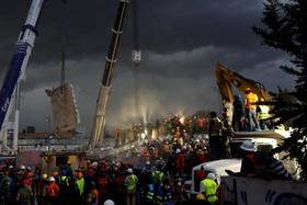 (تصاویر) اورانگوتان زال ، خرابی های توفان ماریا ،رنگین کمان عجیب و..... در عکس های خبری روز