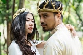 ازدواج عروس و داماد جوان به سبک سریال بازی تاج و تخت! عکس
