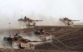 مانور نیروهای ترکیه در مرز با عراق