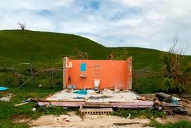 بقایای خانه تخریب شده از توفان ماریا در پورتوریکو