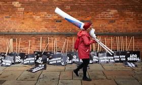 پایان  تظاهرات در انگلیس علیه سیاست های کاهش حقوق کارمندان