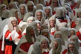 قاضی های دیوان عالی انگلیس در انتظار  آغاز مراسم سنتی سال اداری رسمی در لندن