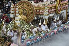 مراسم مذهبی در تایلند